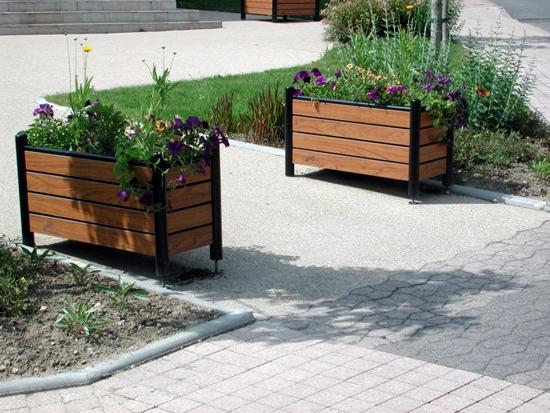 Jardiniere pe cadru metalic - BEL 1